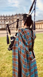 Welcome piper at Hopetoun house